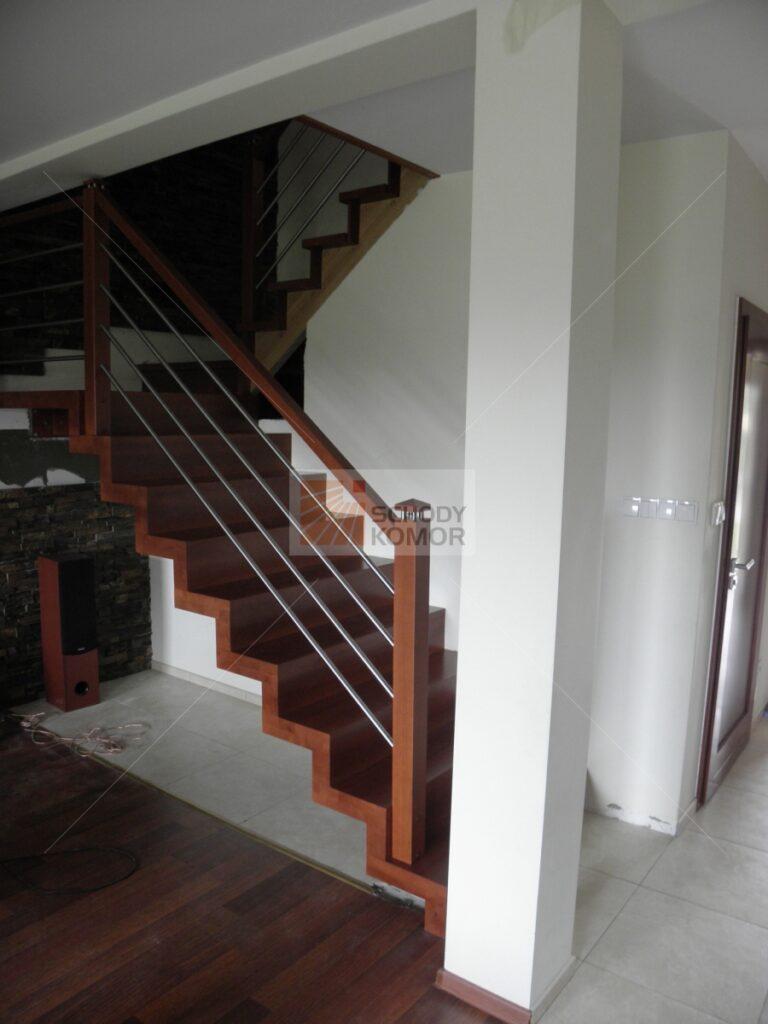 schody dywanowe drewniane blokowe do nowoczesnego wnętrza